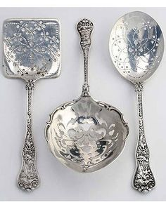 "and Unusual Utensils Beautiful Sterling Serving Spoons .one of my favorites Tiffany and Co ""Olympian"" It is beautiful up closeBeautiful Sterling Serving Spoons .one of my favorites Tiffany and Co ""Olympian"" It is beautiful up close Silver Spoons, Silver Plate, Silver Rings, Silver Cutlery, Vintage Silver, Antique Silver, Antique Desk, Hildesheimer Rose, Argent Antique"