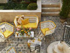 Mobilier de jardin en scoubidou : où en trouver - Joli Place Outdoor Furniture Sets, Outdoor Decor, Wicker, Chair, Perler, Design, Duct Tape, Pixel Art, Derby