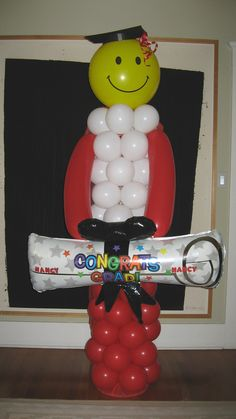 1000 images about graduation on pinterest healthy for Balloon decoration ideas for graduation