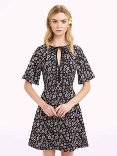 Erin Fetherston | Pre-Fall 2016 | 01 Monochrome floral short sleeve mini dress