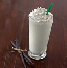 Starbucks Vanilla Bean Frappuccino recipe: Fill Magic Bullet cup full of crushed ice. half-and-half 2 Tblsp. fat-free French vanilla coffee creamer (we like Coffeemate) 1 Tblsp. Vanilla Bean Frappuccino Recipe, Vanilla Coffee Creamer, French Vanilla Creamer, Starbucks Vanilla, Starbucks Drinks, Starbucks Coffee, Frappe Recipe, Healthy Starbucks, Vanilla Milkshake