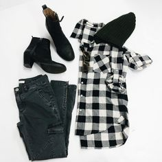 Friday's OOTD~ Stay comfy. ✌️ Get this look at www.cynjin.com!! #cynjin #cynjinofficial #womenswear #style #outfitlay #outfit #ootd#igdaily #trend #trendy #streetstyle #blackandwhite #getitnow #buttonup #acne #madeinusa #dtla #la #effortless #easychic #soreadyforfall