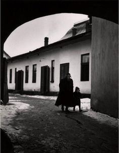 Roman Vishniac On the way to his first day at cheder. Mukachevo. 1935-38