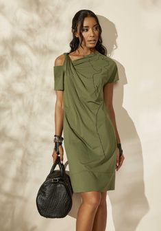 Best Over 50 plus Women's Fashion Ideas - Fashion Trends Boho Fashion, Fashion Dresses, Womens Fashion, Fashion Design, Fashion Trends, Ladies Fashion, Fashion Clothes, Fashion Over 50, Fashion 2018