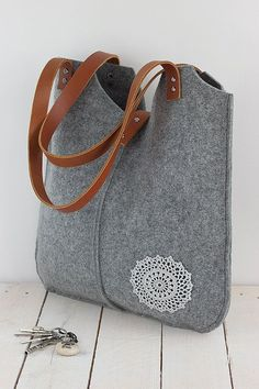 Grey felt tote bag, with crochet applique,gray, big size, for shopping, spring…