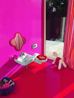If you are looking for a truly fresh idea for a children's bathroom furniture, then this wonderful project by Laufen will fascinate and inspire you for sure. Childrens Bathroom, Bathroom Kids, Bathroom Colors, Colorful Bathroom, Kids Bath, Small Bathroom, Bathroom Design Inspiration, Modern Bathroom Design, Bathroom Interior Design