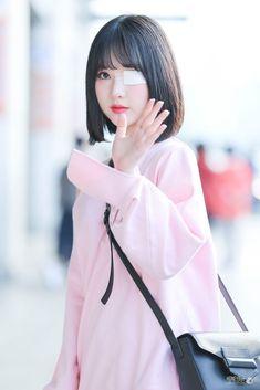 Kpop Girl Groups, Korean Girl Groups, Kpop Girls, Sexy Asian Girls, Beautiful Asian Girls, Hair Reference, G Friend, Entertainment, Chinese Actress