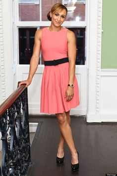 British Olympic Gold medallist Jessica Ennis traded in her Stella McCartney kit for a peach swing dress by Alexander McQueen last night, as she stepped out at the OMEGA House 'Athletics Night… Jess Ennis, Jessica Ennis Hill, Alexander Mcqueen Dresses, Celebrity Beauty, Golden Girls, Celebs, Celebrities, Athletic Women, Fashion Editor