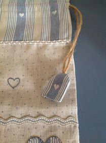 Que os parece llevar una bolsa de estas en la maleta o bolso de viaje parair metiendola ropa usada y no mezclarla con la limpia? mejor q...