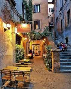 Neighborhood in Rome ! Rome Travel, Travel Abroad, Italy Travel, Beautiful World, Beautiful Places, Hotel Rome, Places To Travel, Places To Visit, Voyage Rome