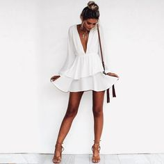 25 Ultra Trendy Summer Outfits From Australia - Little White Dress Source Trendy Summer Outfits, Trendy Dresses, Spring Outfits, Summer Dresses, Dinner Dresses, Summer Dinner Outfits, Sun Dresses, Glam Dresses, Outfit Summer