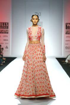 Lehenga gold zari zardozi indian weddings bride bridal wear www.weddingstoryz.com details Pia Pauro #WIFW Fall/Winter 2014-15