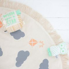A printed play mat chic enough to display. #etsykids