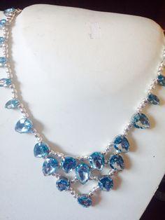 #collana in metallo e #cristalli in azzurro. Fatta a mano. In vendita.  Cod. Es009 Info@oro18.eu #oro18 #bigiotteria #bijoux FB: oro18 fantasie creative