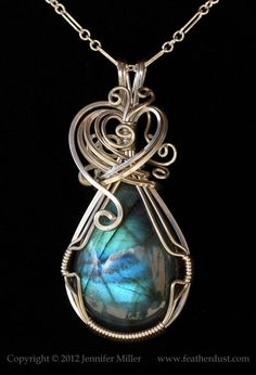 blue promise labradorite glam front Wire Wrapped Jewelry, Wire Jewelry, Jewelry Crafts, Jewelry Box, Jewelery, Jewelry Making, Unique Necklaces, Unique Jewelry, Dragon Figurines