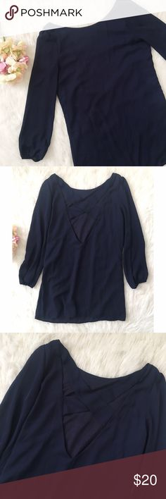 """Tobi 🌼 Long Sleeved Shift Dress SZ S This navy blue Tobi shift dress has only been worn a handful of times. Adorable cross-cross back detail with a higher, boat shaped neckline. Size small and fits true to size. Appropriate length for one no taller than 5'6"""". Questions and offers are welcomed! 🌼 Tobi Dresses Long Sleeve"""