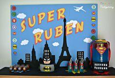 Partyummy's Birthday / Superhero - Superhero Party at Catch My Party Superhero Theme Party, Superhero Birthday Cake, Batman Party, Boy Birthday, Logo Batman, Justice League Party, Superman, Candy Party Favors, 4th Birthday Parties