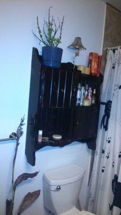 Armoire de salle de bain faite avec une vieille huche de bureau... Desk