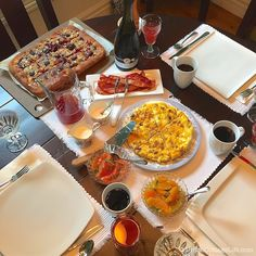 Urban Cottage Hospitality: Brunch ❦ Sausage & Potato Frittata | Urban Cottage Life Cubed Potatoes, Sausage Potatoes, Potato Frittata, Urban Cottage, Blueberry Juice, Brunch Table, Easy Start, Provolone Cheese, Open Concept Kitchen