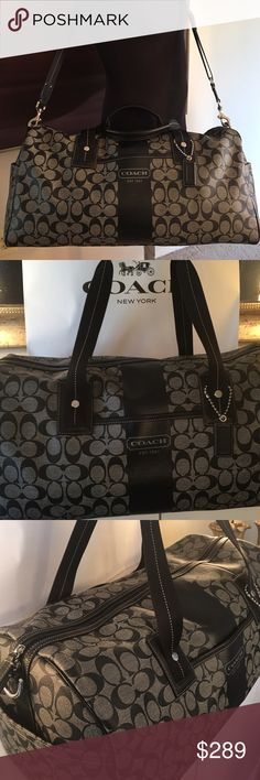 COACH XL DUFFLE BAG 100% AUTHENTIC COACH XL DUFFLE BAG 100% AUTHENTIC. WHAT A AMAZING BAG.  CAN BE USED SO MANY WAYS AIRPLANE CARRYON , SUITCASE,  LARGE GYM BAG,  SO ON AND SO ON.  PREOWNED BUT NEAR PERFECT CONDITION.  USED 2 TIMES.  ALSO HAS POCKETS ON THE ENDS.  THE BAG MEASURES  20 INCHES LONG BY 10 INCHES TALL BY 11 INCHES DEEP.  THE TWO HANDLES HAVE A 10 INCH DROP AND ALSO COMES WITH A LONG ADJUSTABLE SHOULDER STRAP Coach Bags Travel Bags