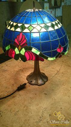 Dve Modré Tienidlá na Stojacu Tiffany Lampu |