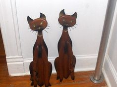 Set of 2 Vintage Wood Metal Siamese cat by WhiskerKissesGifts ETSY THESE ARE BIG.  SOMEWHERE IN DR
