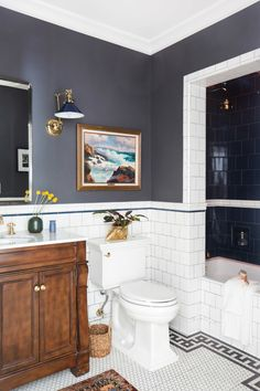 The Pros Have Spoken: These Are the Best Small-Bathroom Paint Colors - Dream Home - Bathroom Decor Bad Inspiration, Bathroom Inspiration, Wedding Inspiration, Small Bathroom Paint Colors, Paint Bathroom, Bathroom Paintings, Kitchen Paint, Bathroom Heater, Art Deco Bathroom
