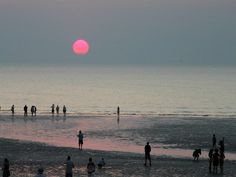 Stunning....Sunset at Mindel Beach in Darwin, Australia. One of 12 top beaches in Oz. See the rest here: http://www.ytravelblog.com/beaches-in-australia/ #travel