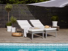 Sunbathing by the pool. Ikea Outdoor, Outdoor Planters, Outdoor Spaces, Outdoor Living, Outdoor Decor, Ikea Inspiration, Home Garden Design, Small Garden Design, Townhouse Garden