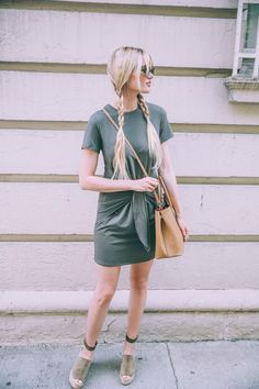 Barefoot Blonde Amber Fillerup wearing Chloe and Vince