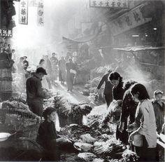 街市 - 中環. market stalls in Central
