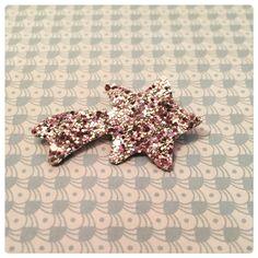 Broche paillettes étoile filante