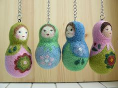 Needle-felted Matryoshka dolls by Nallemama.