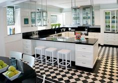 15 Wonderful Black and White Kitchens You Should See Now