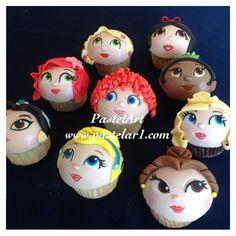 cupcakes princesas! Ariel, Aurora, Merida, Jasmin, Tiana, Bella, Cencienta, Blanca Nieves.  Elaborados con chocolate y fondant. PEDIDOS desde 12 piezas