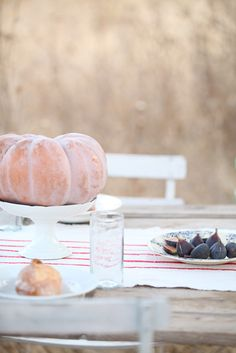 dreamy & minimal fall table