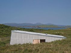 Rural Design Architects design a tiny, simple cabin that was self-built by owners