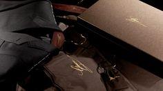 Abiti su misura e calzature con le iniziali incise? E' il nuovo servizio di Gucci, nelle boutique di Milano, Roma e Firenze! http://www.capolavoroitaliano.com/cose-preziose/5814/gucci-made-to-measure-lusso-misura-gentleman/