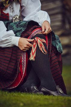 Scandinavian Festival, Scandinavian Art, Folk Costume, Costumes, Folk Clothing, Color Shapes, My Heritage, Ethnic Fashion, Norway