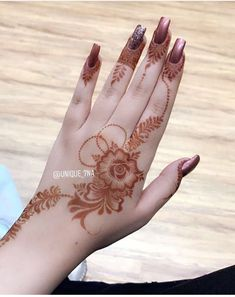 #Mehndi desings Finger Henna Designs, Mehndi Designs For Girls, Arabic Henna Designs, Mehndi Designs 2018, Stylish Mehndi Designs, Mehndi Designs For Fingers, Bridal Henna Designs, Mehndi Design Pictures, Henna Tattoo Designs