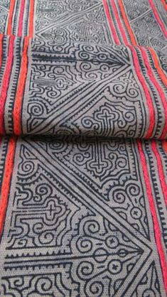 Hey, I found this really awesome Etsy listing at https://www.etsy.com/listing/170145874/vintage-brown-cotton-hmong-textile