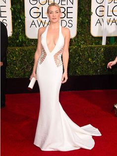 WHO: Kate Hudson WHAT: Presenter WEAR: Atelier Versace gown accented with side cutouts and adorned with Swarovski crystal beading at the waist; The Best Red Carpet Looks from the Annual Golden Globes via Kate Hudson, Celebrity Red Carpet, Celebrity Look, Celebrity Dresses, Golden Globe Award, Golden Globes, Glamour Mexico, Versace Gown, Belle Silhouette