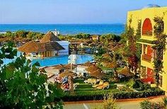 La bellissima spiaggia di Mahdia vi aspetta per trascorrere le vostre vacanze all'insegna del bel mare in una struttura adatta per tutti:coppe,giovani anziani e famiglie.    Grande piscina peincipale con acqua bar, piscina separata per bambini,attrezzate co sdraio ed ombrelloni gratuiti,piscina relax, piscina con scivoli (aperta da giugno a settembre) e piscina coperta.  VISITA IL LINK: http://www.vacanze.clubviaggi.it/italian/vacanze-dettaglio.php?sEBView=struttura=5638=true