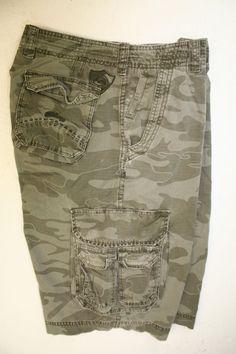 SOLD! Billabong Green Camo Cargo Shorts (Mens 32) Zipper Embroidered Logo Shield 2573 #Billabong #CargoShorts