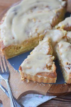 Bratapfelkuchen mit Ahornsirup Zimtsauce - Baked Apple Almond Tarte with maple syrup cinnamon sauce #herbst #fall #cake #applecake (13)