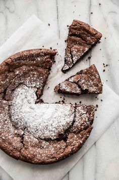 chocolate cake for a special occsion Chocolate Almond Cake, Flourless Chocolate Cakes, Gluten Free Chocolate, Chocolate Flavors, Chocolate Desserts, Cocoa Chocolate, Slow Cooker Desserts, Sweet Recipes, Cake Recipes