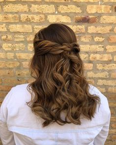 fangirling over this soft + romantic half updo hairstyle  | hair + makeup by goldplaited | prom hairstyle with curls + double twisted crown | half up half down hairstyle #hair #makeup #promhair #style #hairstyle #updo #twists #gpbraid #halfup #simple #soft #brunette