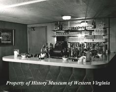 photograph of the Fountain Bar in the Colonial Room at Hotel Roanoke taken in 1962.