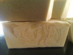 Jabón de almendras dulces con aceite esencial de lavanda