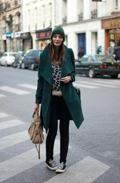 Converse, leopard print sweater black skinnies casual chic, beanie knit cap hat